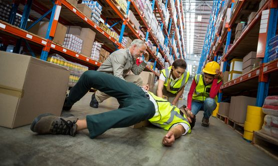 A injured working in a warehouse after a accident
